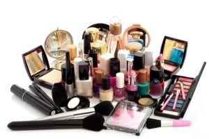 5月化妆品零售319亿元,持续两位数增长